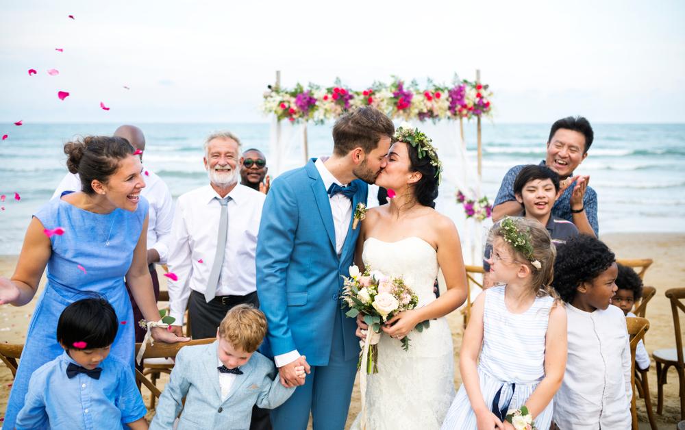子どもと一緒に結婚式を楽しもうのアイキャッチ