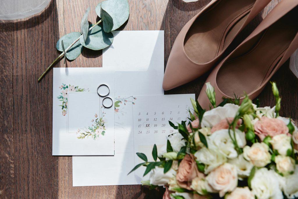結婚式前でもOK?結婚指輪をつけるタイミングとはのアイキャッチ