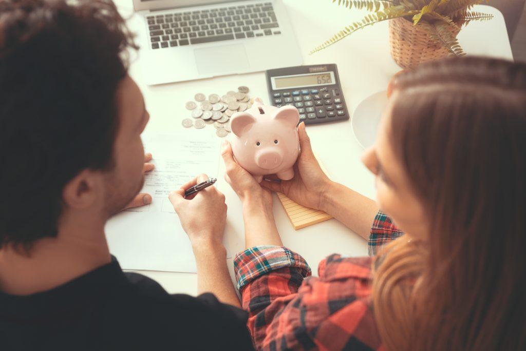 共働き夫婦はどうしてる?貯金のコツをご紹介のアイキャッチ