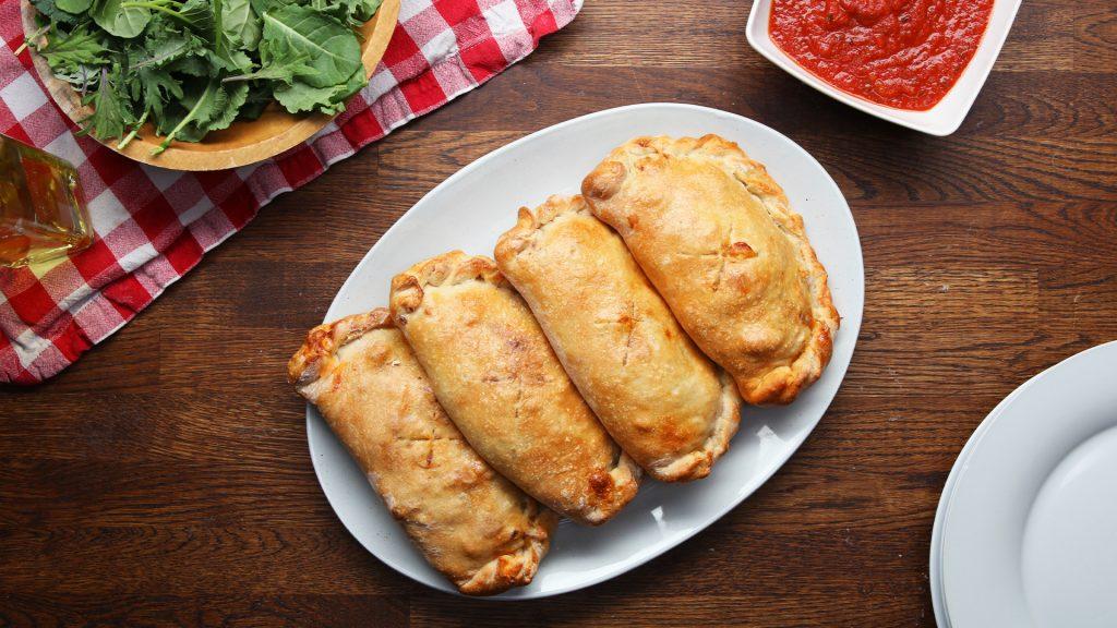 【Tasty Japanオススメレシピ】手を汚さずに食べれるピザ!カルツォーネ♪のアイキャッチ